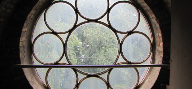 Fenster im Turm von St. Gertrud, Altenwerder, Foto: G. Bertram